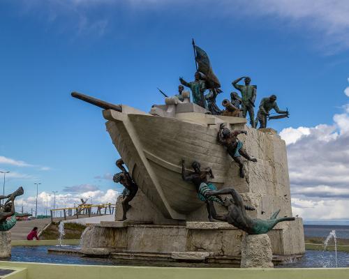 Imagen del monumento Monumento a los Tripulantes de la Goleta Ancud