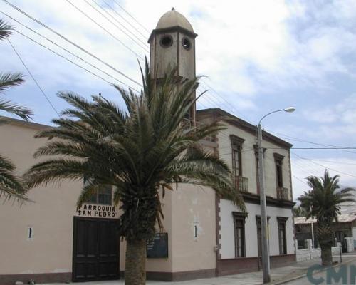Imagen del monumento Iglesia de Pisagua y su edificio paredaño