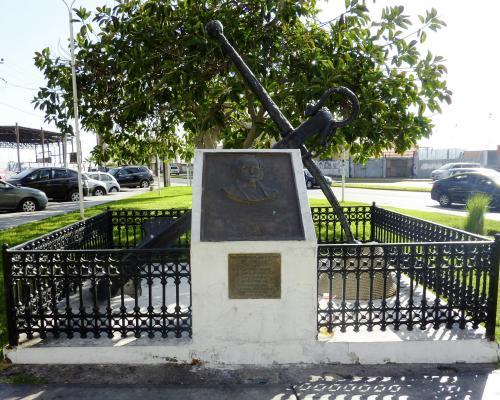 Imagen del monumento Charles Darwin
