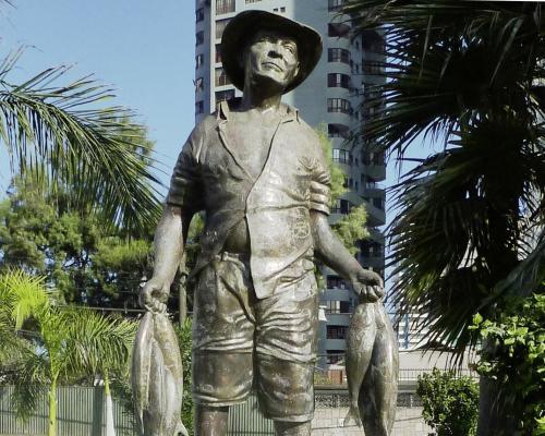 Imagen del monumento Al Pescador Artesanal Cavanchino
