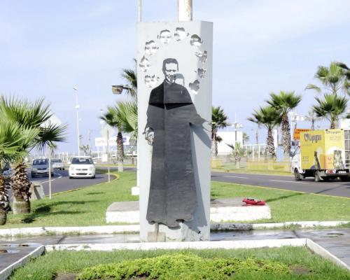 Imagen del monumento Padre Alberto Hurtado