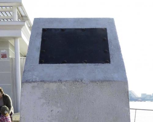 Imagen del monumento Monolito Paseo Lynch
