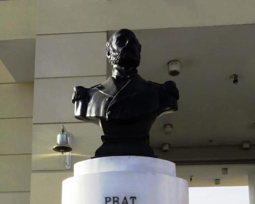 Imagen del monumento Arturo Prat