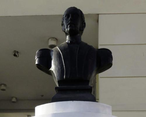 Imagen del monumento Carlos ConDell