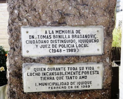 Imagen del monumento A La memoria De Don Tomás Bonilla Bradmovic