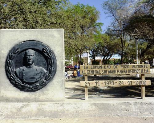 Imagen del monumento General Sofanor Parra