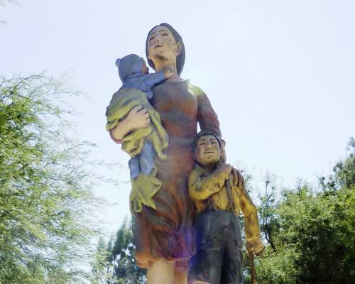 Imagen del monumento Mujer Pampina