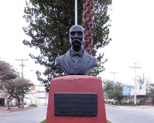 Imagen del monumento Manuel Antonio Matta G.