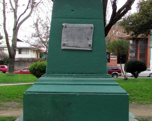 Imagen del monumento Juan Ignacio Molina González