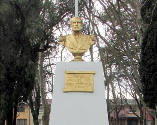 Imagen del monumento Capitán Arturo Prat Ch.