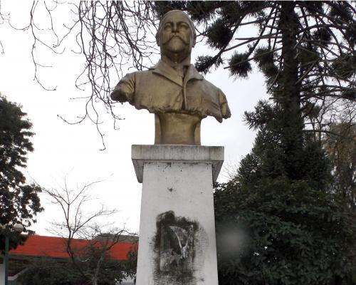 Imagen del monumento José Bunster