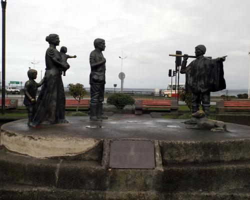 Imagen del monumento A Los Inmigrantes Alemanes