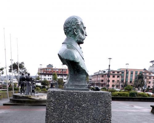 Imagen del monumento Vicente Pérez Rosales