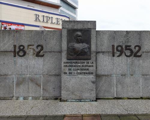 Imagen del monumento Bernard E. Philippi