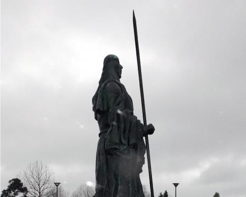 Imagen del monumento Lonko Cayenel