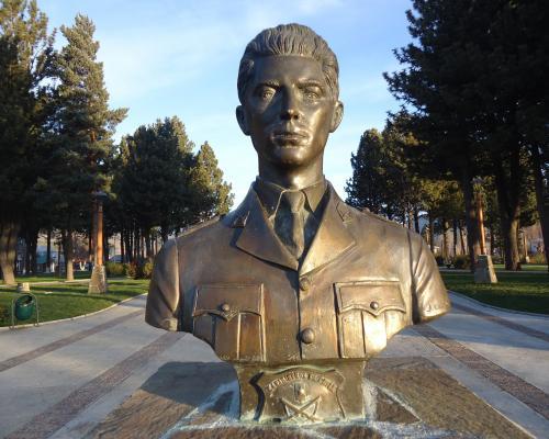 Imagen del monumento Hernán Merino Correa