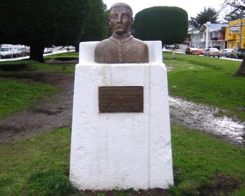 Imagen del monumento Camilo Henríquez