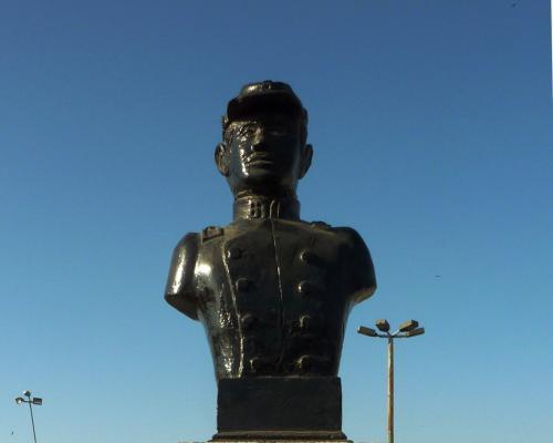 Imagen del monumento Luis Cruz Martínez