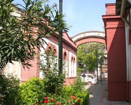 Imagen del monumento Plaza Camilo Mori, Cité Constitución N° 135 y edificios adyacentes