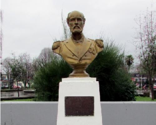 Imagen del monumento Arturo Prat Chacón