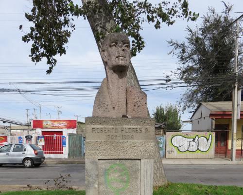 Imagen del monumento Roberto Flores