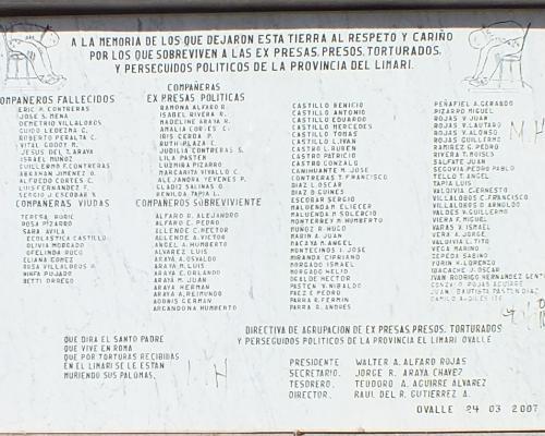 Imagen del monumento Homenaje a las Victimas de violaciones de DD. HH. Ovalle