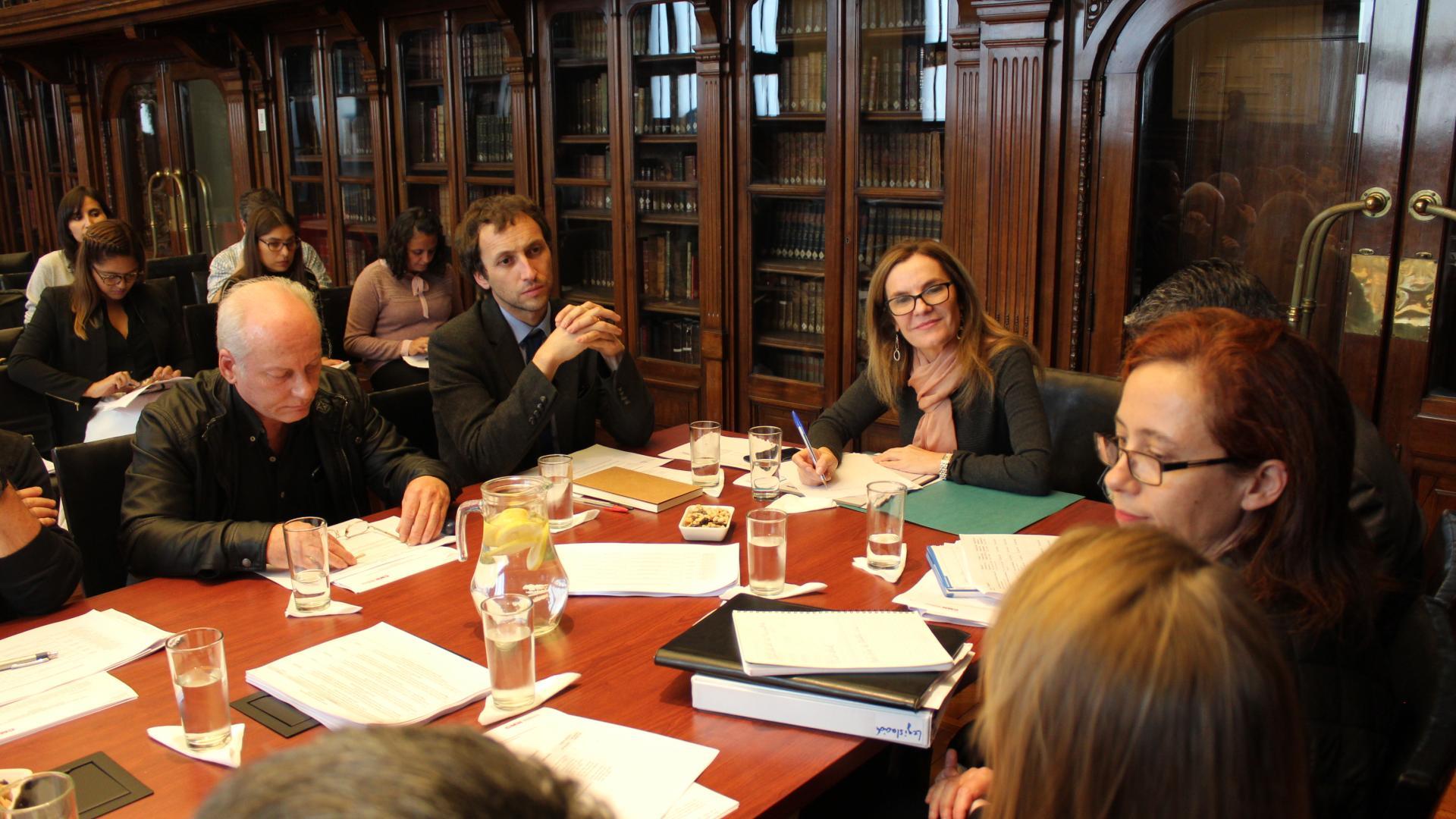 Imagen de Ministra de Culturas las Artes y el Patrimonio se reúne con el Consejo de Monumentos Nacionales