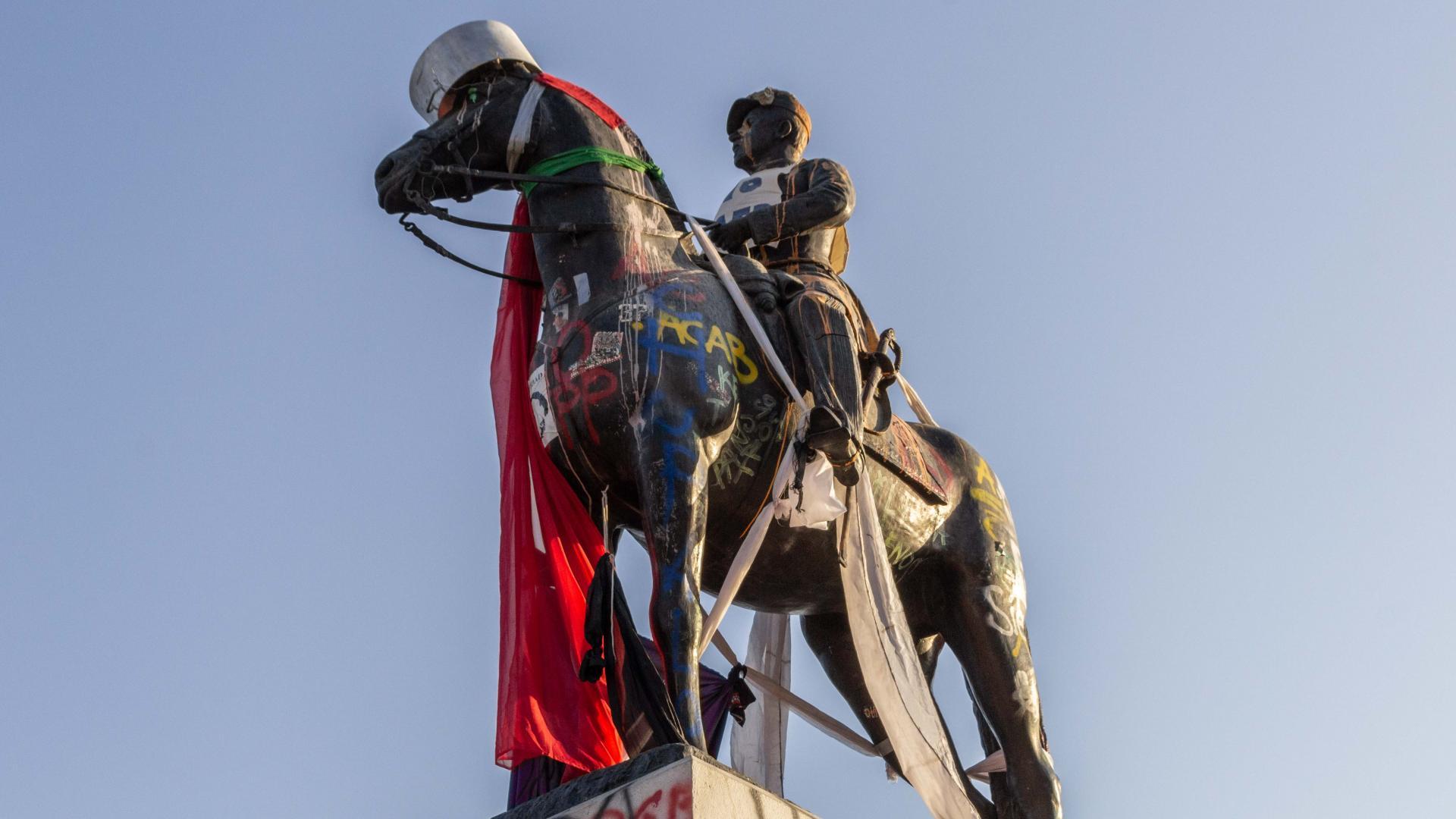 Imagen de Monumentos Nacionales dañados en el marco  de las protestas superan los 230