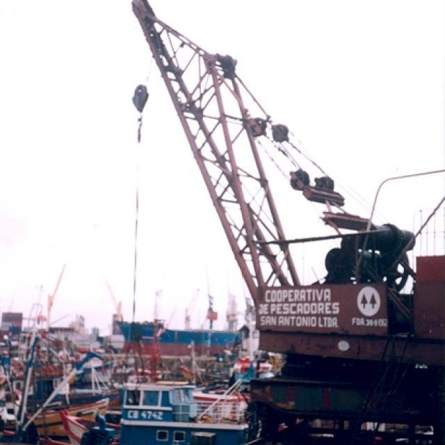 Imagen del monumento Grúa 82 del Puerto de San Antonio