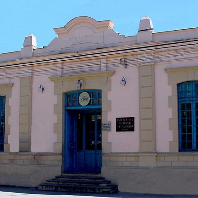 Imagen del monumento Escuela Presidente José Manuel Balmaceda (D-2)