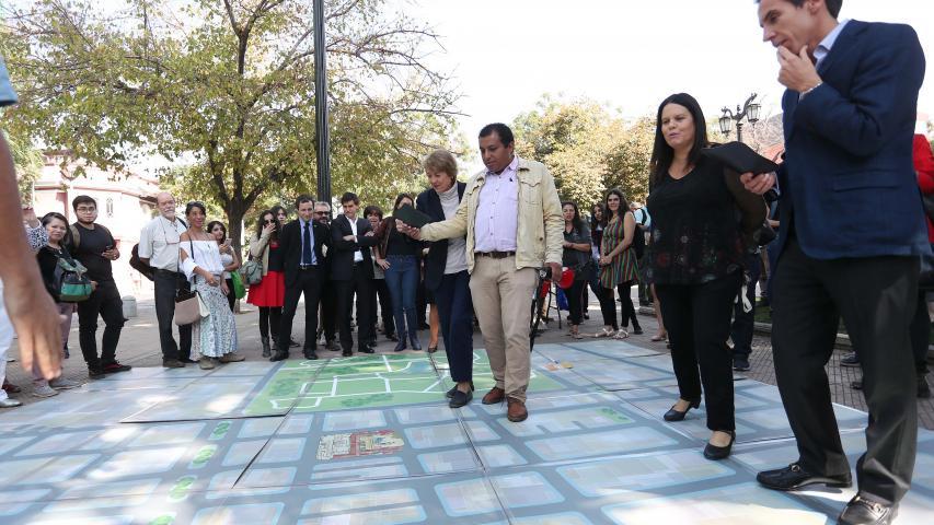 Imagen de Ministra Valdés anuncia ampliación de Zona Típica de los barrios Brasil y Yungay en Santiago Poniente