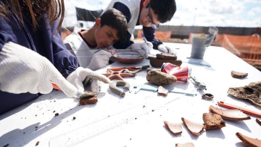 Imagen de Estudiantes de Ñuble descubren hallazgos arqueológicos del antiguo Hospital San Juan de Dios
