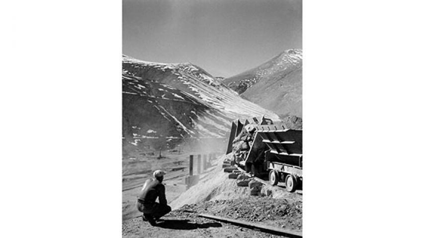 Descarga de un tren, 1947