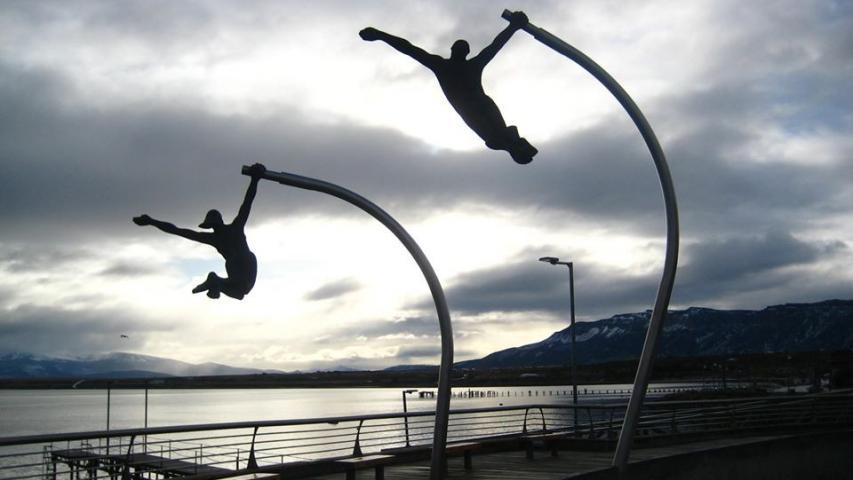 Imagen del monumento Amores de viento en Natales