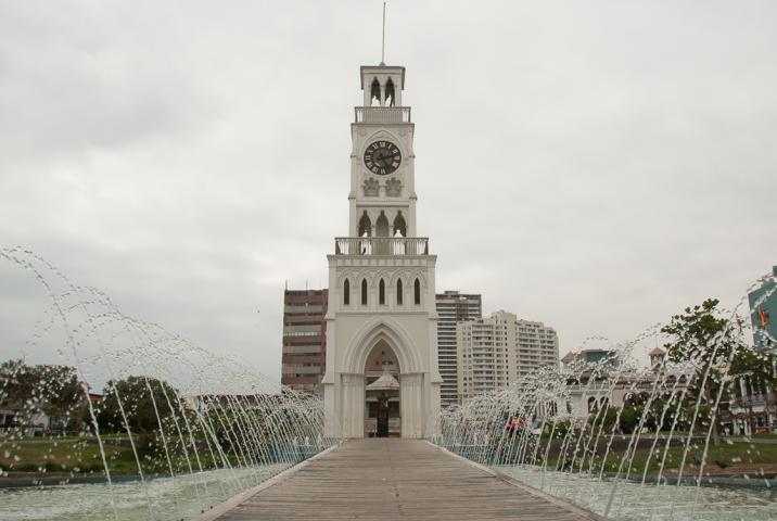Imagen del monumento Torre-reloj de la Plaza Prat de Iquique