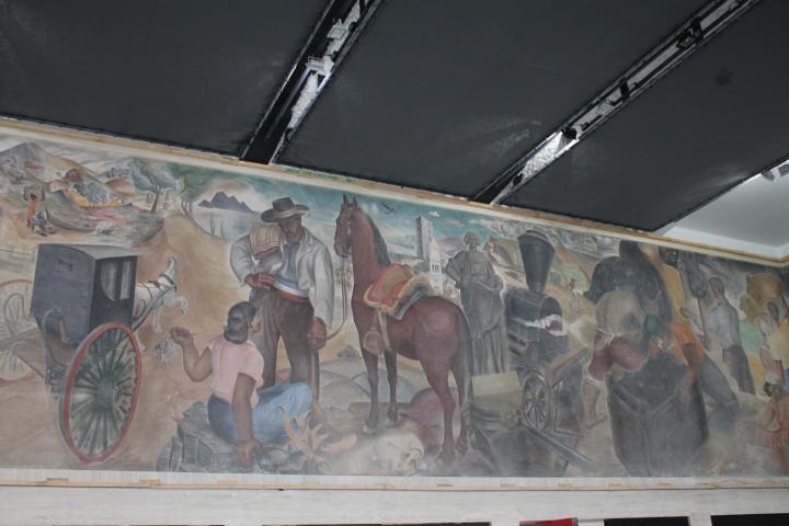 """Imagen del monumento Mural """"Historia de Concepción"""" de Gregorio de la Fuente"""