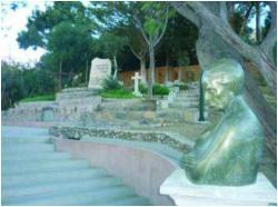 Imagen del monumento Mausoleo erigido a Gabriela Mistral y los terrenos destinados a este objeto, ubicados en la localidad de Montegrande