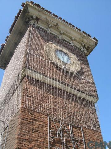 Imagen del monumento Reloj con su torre, ubicado en la Estación Barón de los Ferrcarriles del Estado