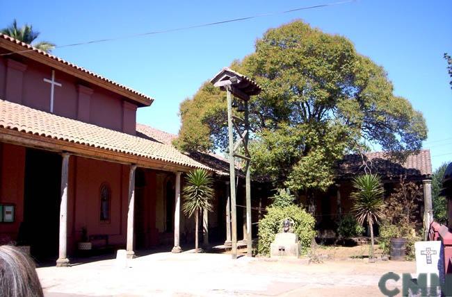Imagen del monumento Capilla con sus corredores adyacentes del Hospital San Juan de Dios de Chillán