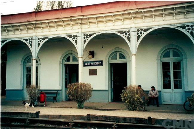 Imagen del monumento Edificio de la Estación de los ferrocarriles del Estado de la ciudad de San Francisco de Mostazal