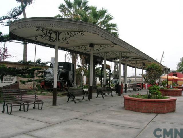 Imagen del monumento La Estación del ferrocarril de Arica - La Paz y su andén