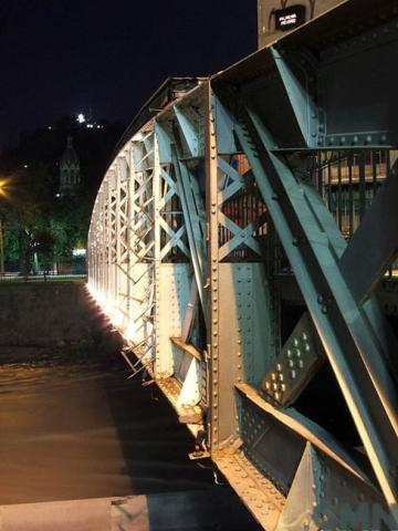 Imagen del monumento Cuatro puentes metálicos sobre el río Mapocho
