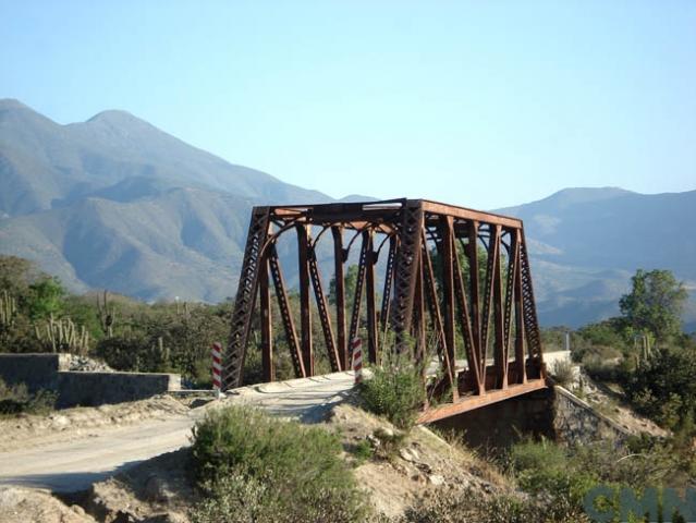 Imagen del monumento Puente Metálico El Ojo