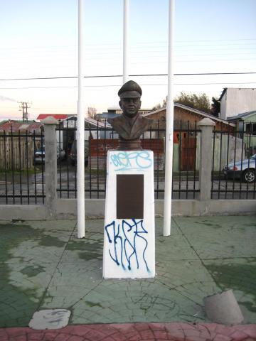 Imagen del monumento José Alejandro Bernales Ramírez
