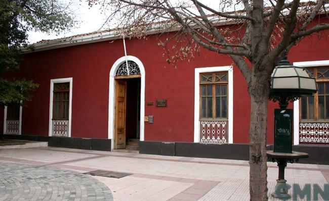 Imagen del monumento Plaza de Los Héroes y su entorno