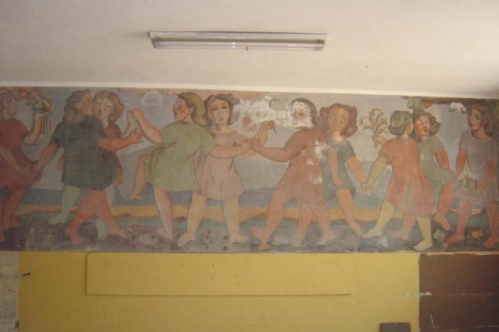 """Imagen del monumento """"La ronda"""" de la ex Escuela Rebeca."""
