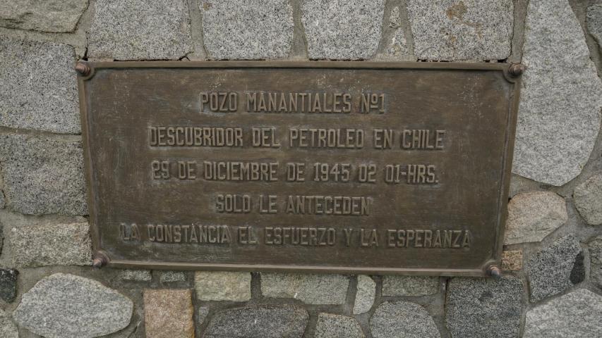 Imagen del monumento Pozo de Petróleo N°1