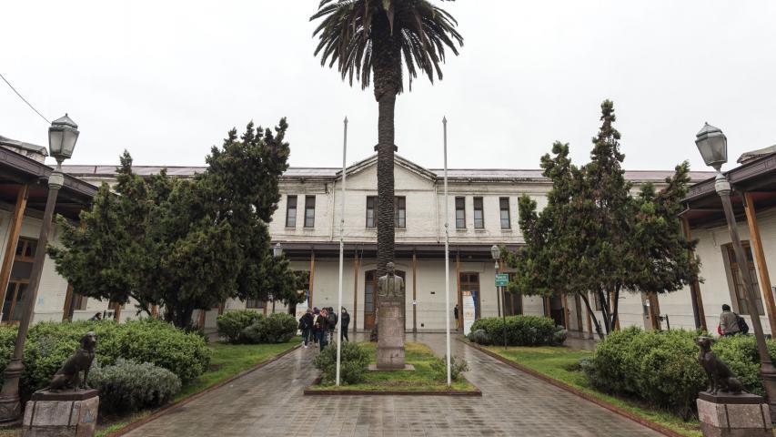 Imagen del monumento Edificio de la ex Escuela de Artes y Oficios