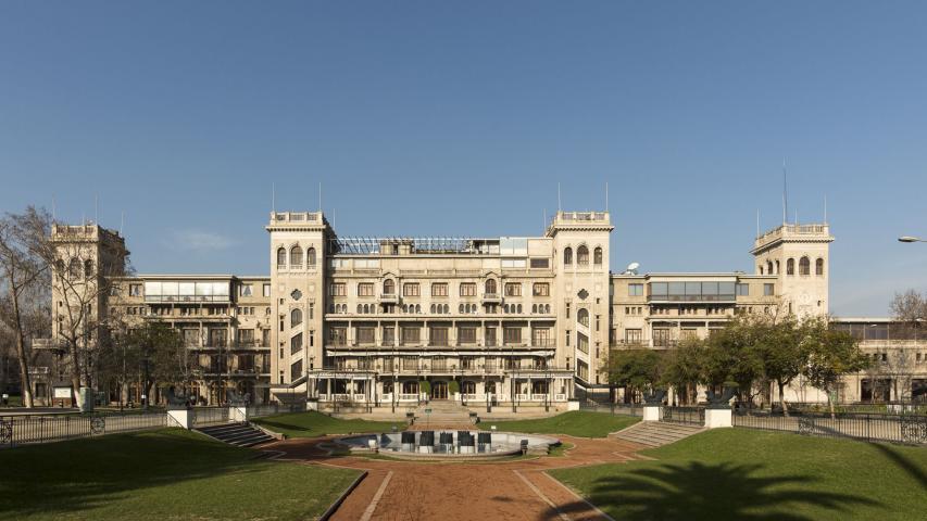 Imagen del monumento Edificios del Club Hípico