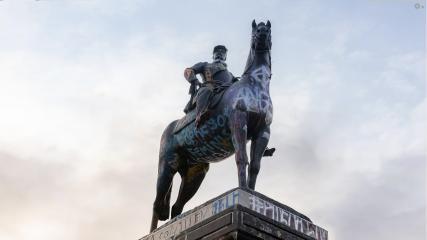 Imagen de Consejo de Monumentos Nacionales definió futuro de monumento al general Baquedano: se queda en la plaza